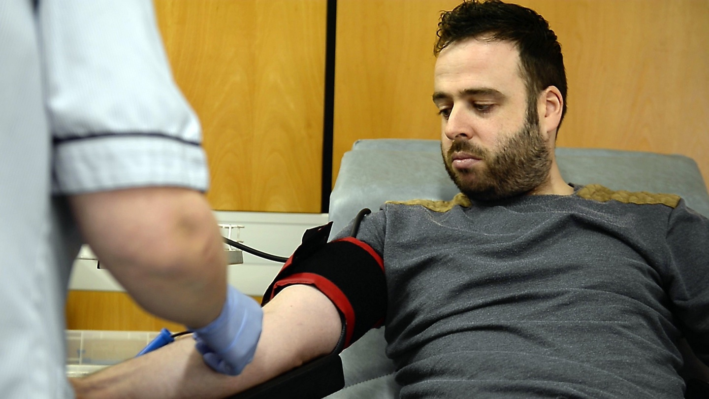 Appeal for 1,500 blood donations as stocks drop 21%