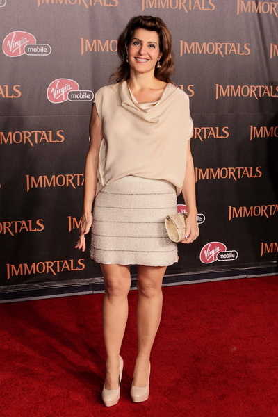 Nia Vardalos Height - How tall